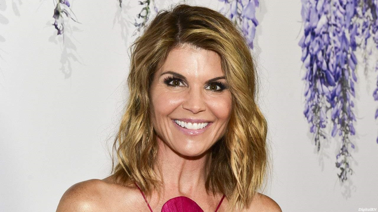Lori Loughlin Net Worth 2021